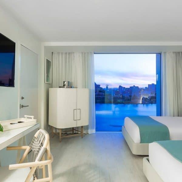 Serafina-Lagoon-View-Room-600x600